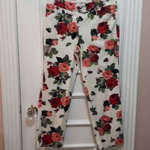2 for 20! 🛍️ Floral pants with butterflys